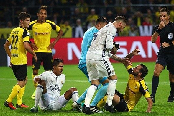 Ronaldo ve Emre Mor sosyal medyayı salladı! 8