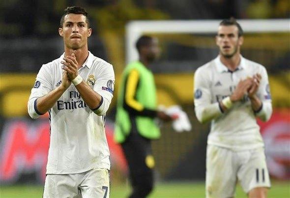 Ronaldo ve Emre Mor sosyal medyayı salladı! 9