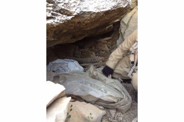 Hakkari'de PKK'ya ait cephanelik ele geçirildi 10