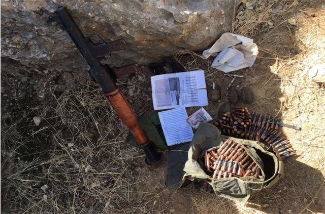 Hakkari'de PKK'ya ait cephanelik ele geçirildi 12