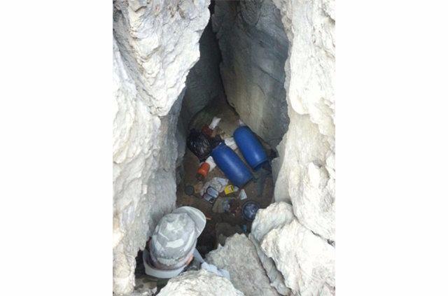 Hakkari'de PKK'ya ait cephanelik ele geçirildi 2