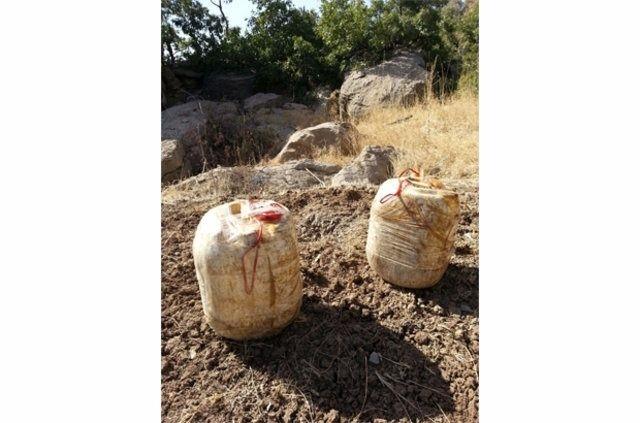Hakkari'de PKK'ya ait cephanelik ele geçirildi 5