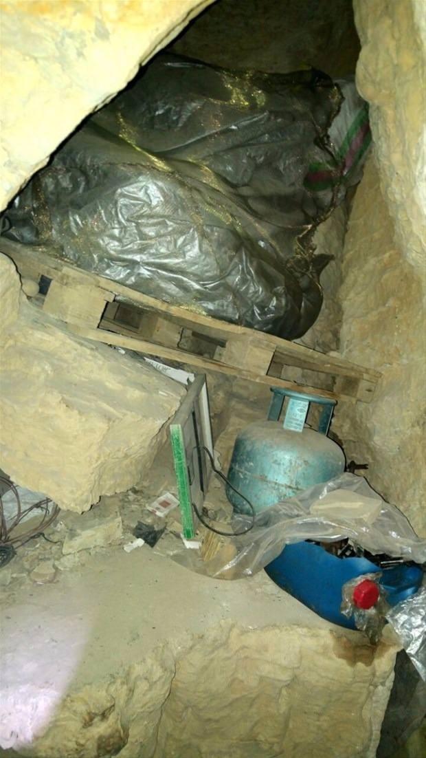 TSK paylaştı! PKK'nın tünellerine girildi 11