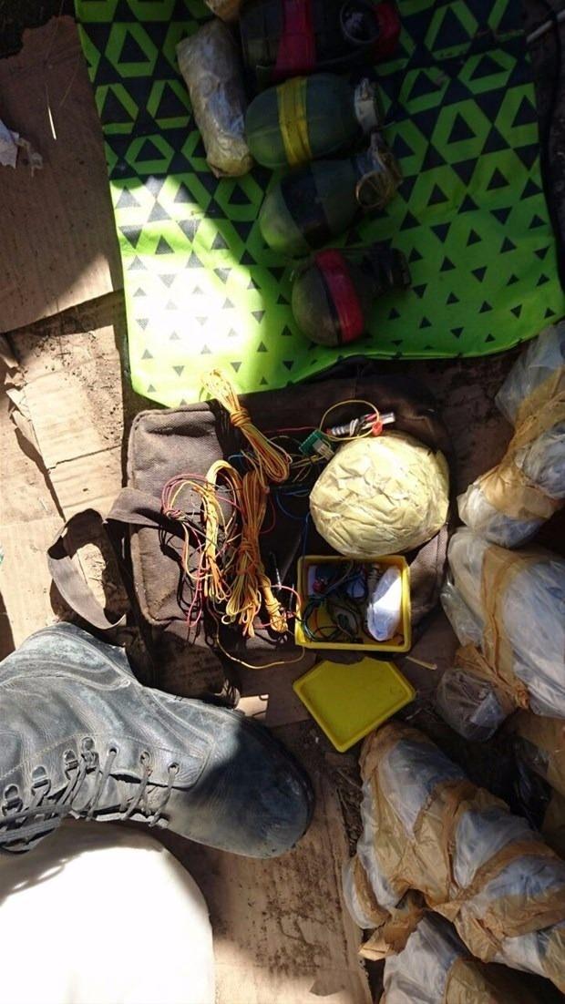 TSK paylaştı! PKK'nın tünellerine girildi 13