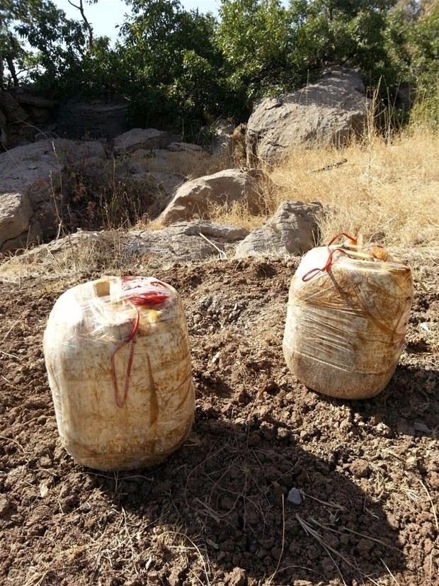 TSK paylaştı! PKK'nın tünellerine girildi 17