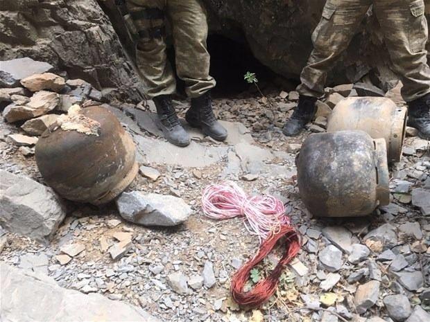 TSK paylaştı! PKK'nın tünellerine girildi 23