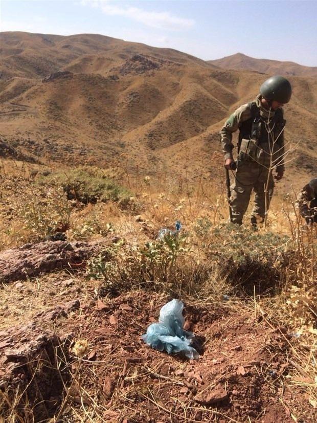 TSK paylaştı! PKK'nın tünellerine girildi 29