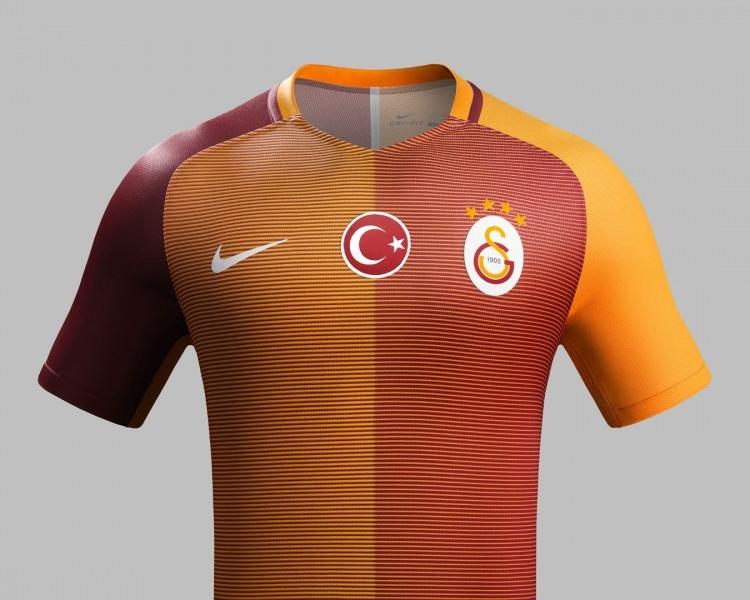 Galatasaray mor formasını tanıttı 14