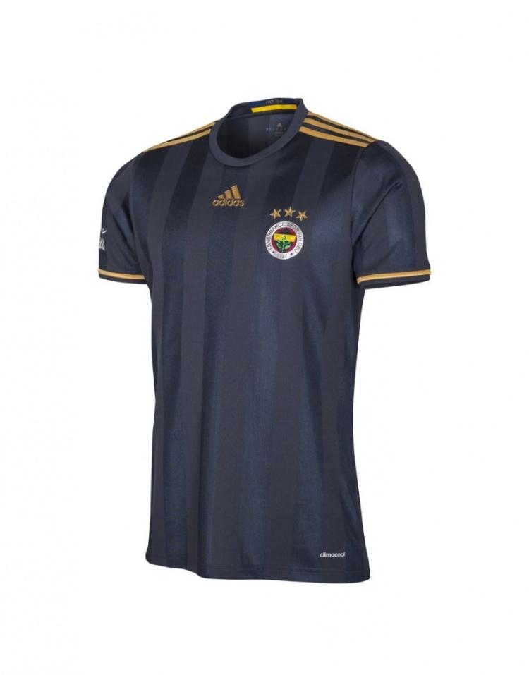 Galatasaray mor formasını tanıttı 18