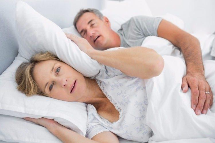 Erkekler neden daha fazla ve gürültülü horlar? 8