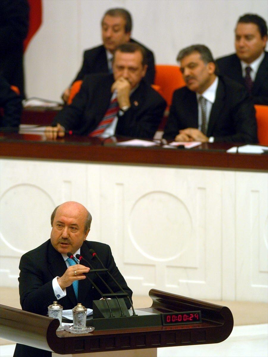 Eski bakan Kemal Unakıtan hayatını kaybetti 3