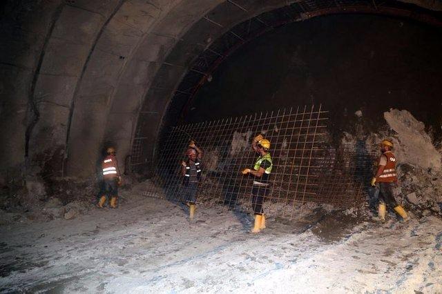 Ovit Tüneli'nde ışık göründü 14