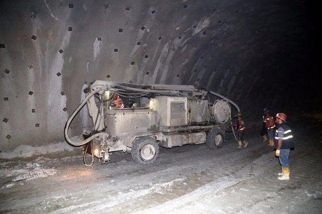 Ovit Tüneli'nde ışık göründü 15