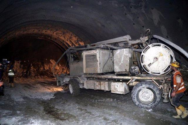 Ovit Tüneli'nde ışık göründü 27