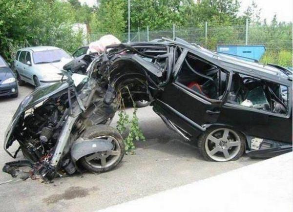 Yüksek hızla yapılmış 10 feci kaza 9