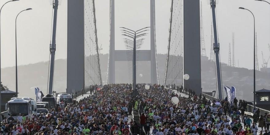 Türkiye bugün şehitleri için koştu