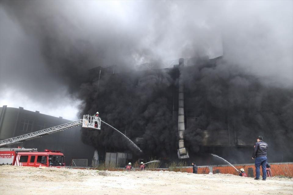 Bayrampaşa'da büyük yangın 1