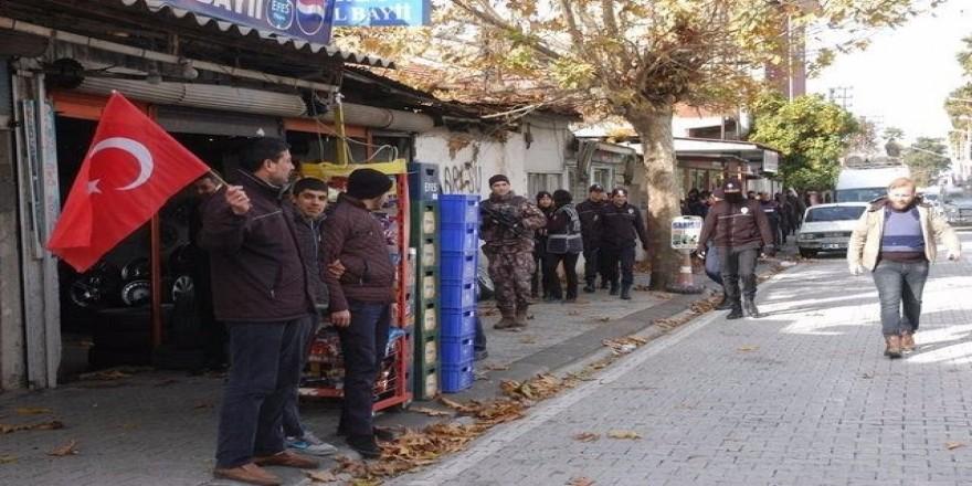 Adana'da bin polisle 'Huzur' uygulaması