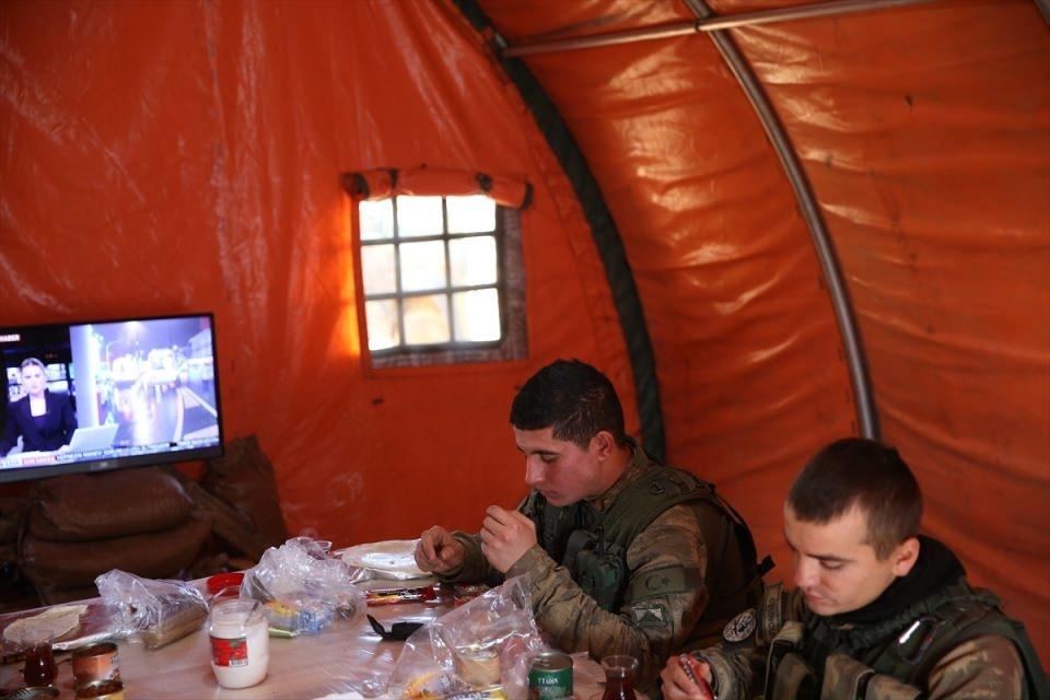 İşte Fırat Kalkanı'ndaki askerlerin yaşamı 33