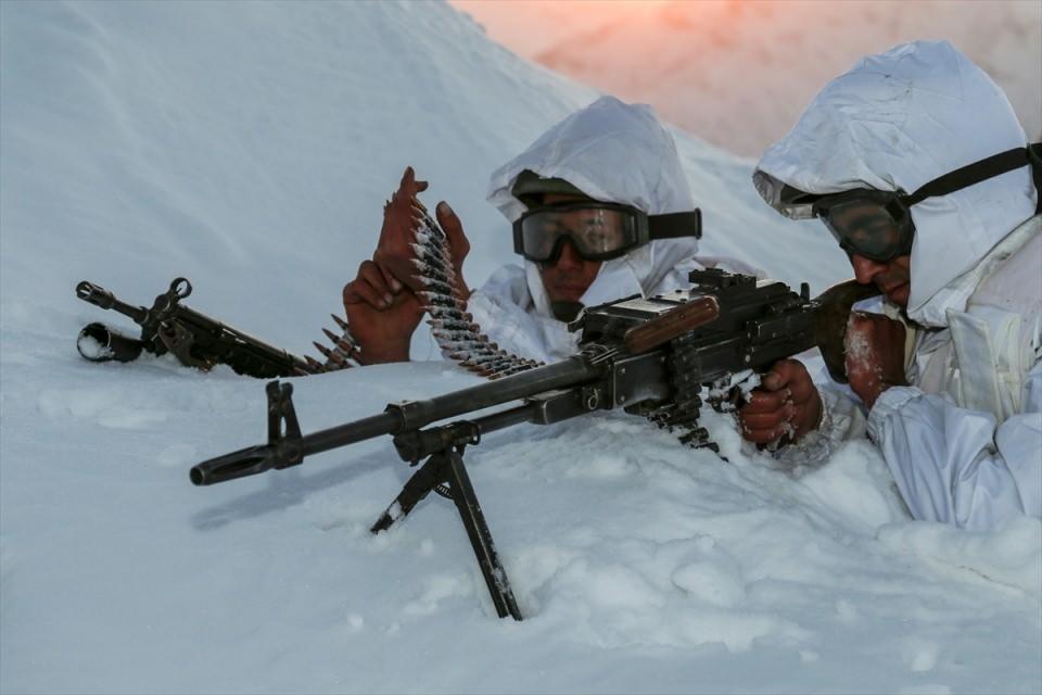 Bitlis'te terör operasyonu 38