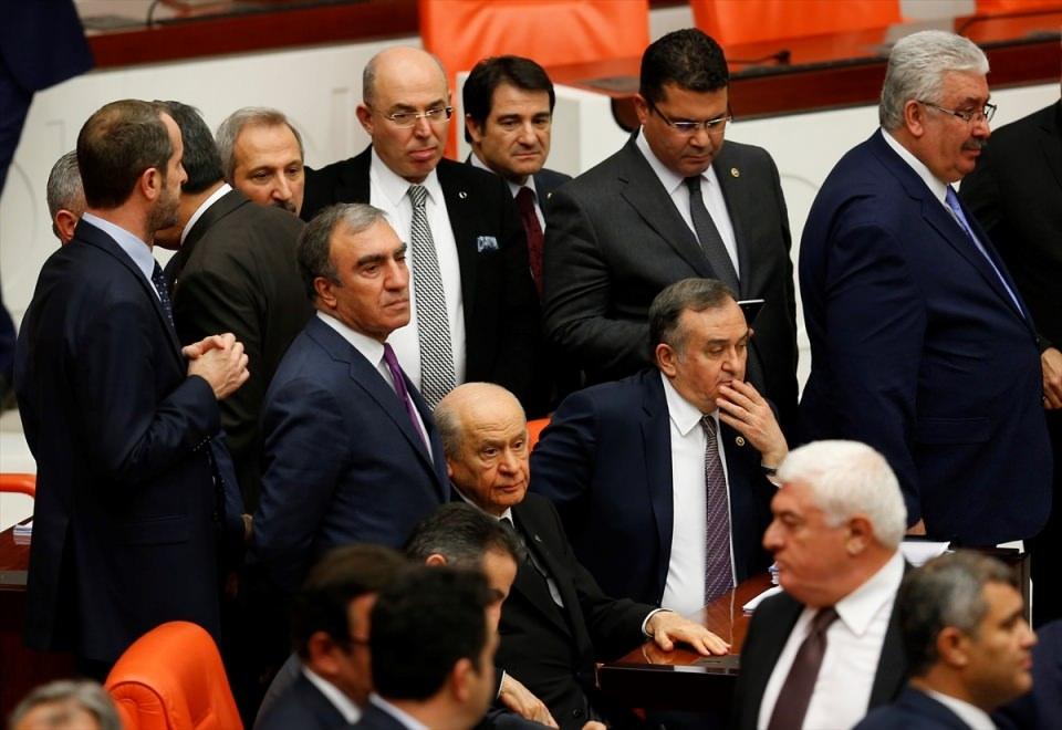 Meclis'te yaşanan kavganın fotoğrafları 32