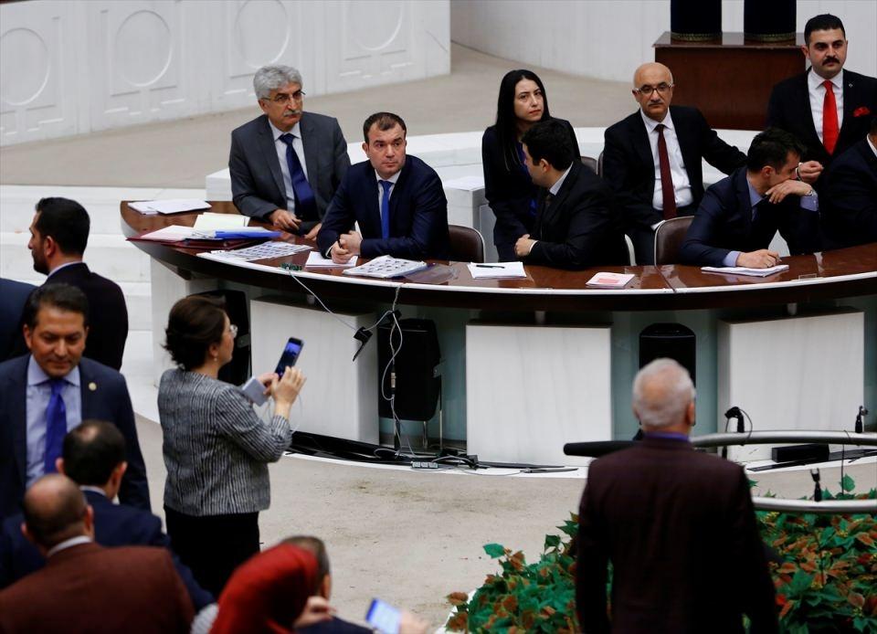 Meclis'te yaşanan kavganın fotoğrafları 63
