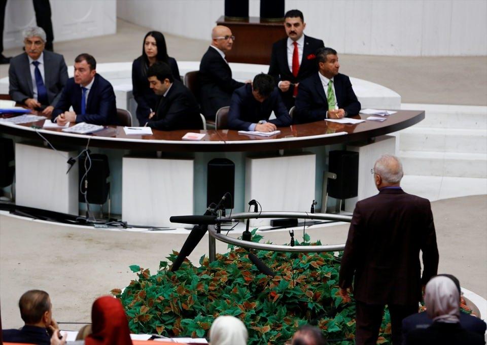 Meclis'te yaşanan kavganın fotoğrafları 64