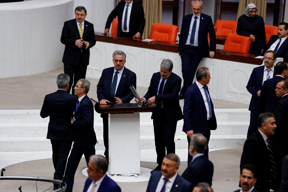 Meclis'te yaşanan kavganın fotoğrafları 66