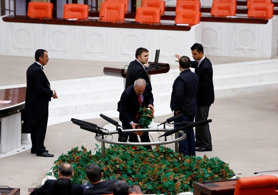 Meclis'te yaşanan kavganın fotoğrafları 68