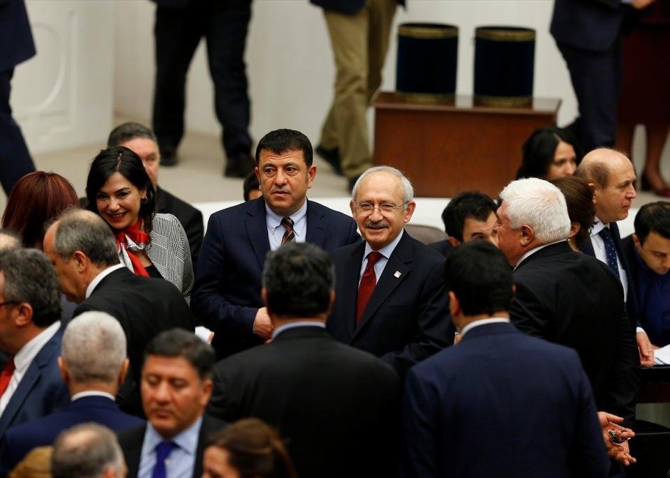 Meclis'te yaşanan kavganın fotoğrafları 77