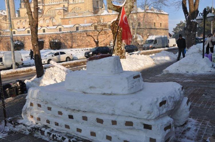 15 Temmuz'a özel 'Kardan Tank' yaptılar 12