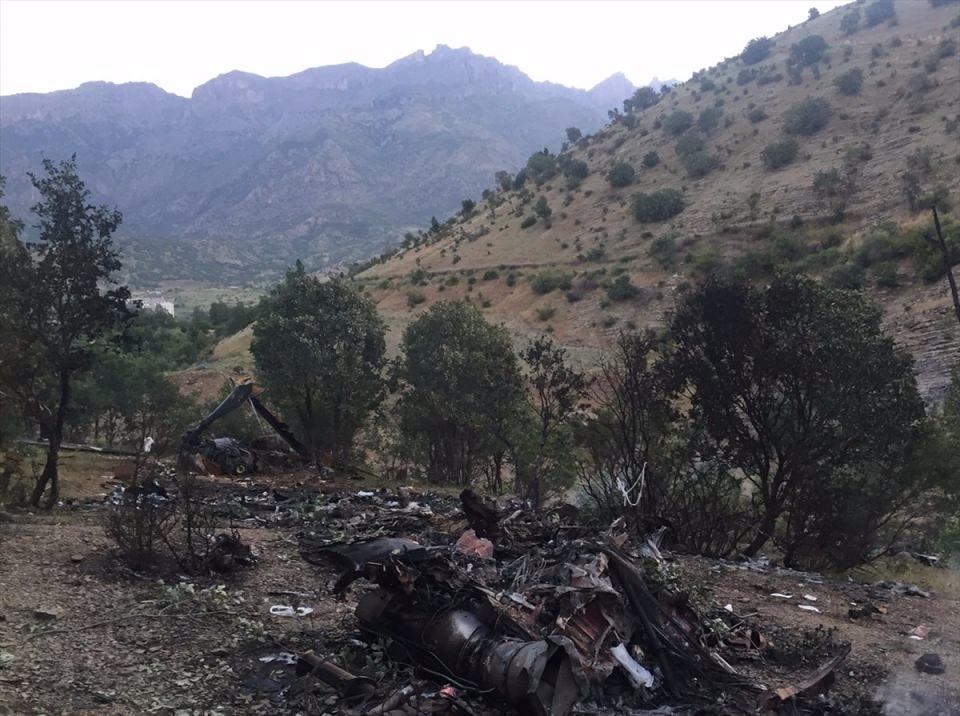 Şırnak'ta düşen askeri helikopterin enkazı 1