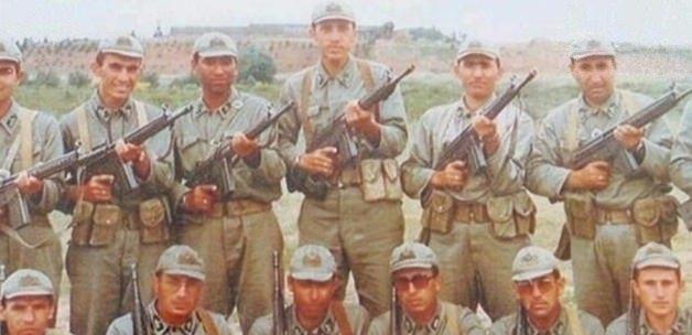 Erdoğan'ın bir askerlik fotoğrafı daha ortaya çıktı! 1