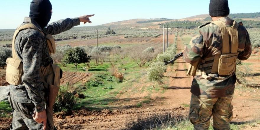 PKK/YPG tüm köylere tüneller kazıp, yoldan geçenden vergi almış