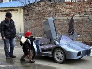 Dededen torununa Lamborghini