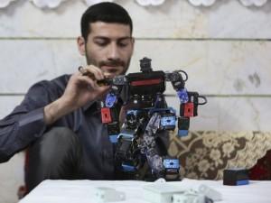 Öğrenciler için namaz kılan robot