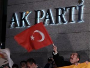 Erdoğan balkondan meydan okudu!