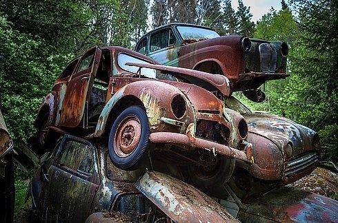 Ormandaki Gizemli Araba Mezarlığı Foto Galerisi 12 Resim