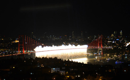 İstanbul Boğazı'nda muhteşem gösteri! 12