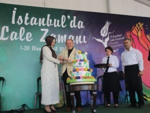 İstanbul 20 milyon laleyle rengarenk