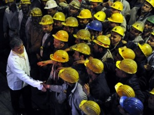 Gül'den madencilere sürpriz ziyaret