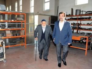 Cumhurbaşkanı Gül'ün babası hala çalışıyor
