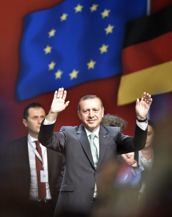 Erdoğan'a Köln'de sevgi seli 1