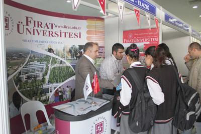 Fırat Üniversitesi 3. Mesleki Rehberlik ve Kariyer Günleri Fuarında