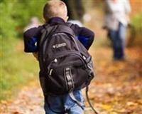 Okul yolunda sırt çantası sorunu
