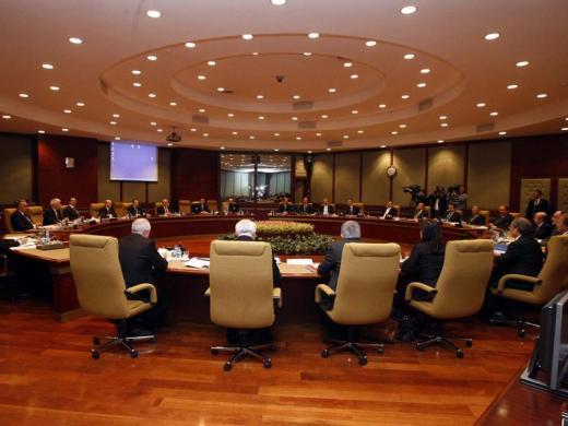 Kabinede 7 Bakanın yeri değişecek iddiası