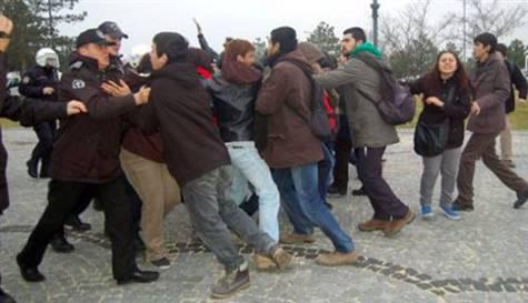 Bakanı protesto eden öğrencilere 1.5 yıl hapis