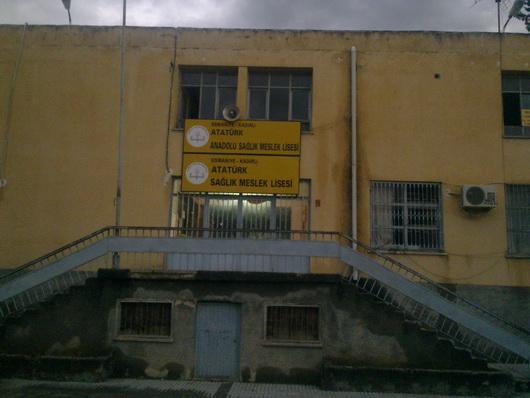 Bu okul, 22 yıldır göçebe statüsünde...