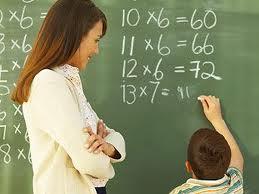 Kademe yükseldikçe kadın eğitimci oranı düşüyor