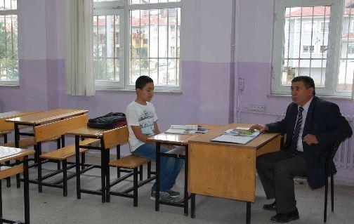 Tek sınıf, tek öğrenci, tek öğretmen
